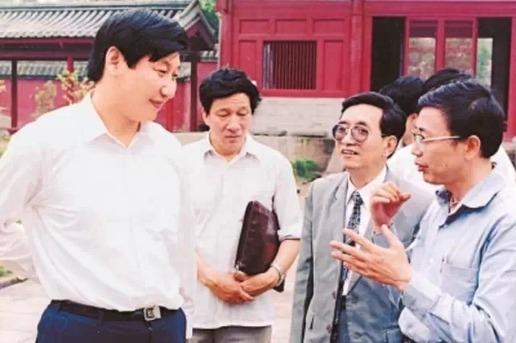 xi主席出国保镖视频_习近平文物保护简史 - 中国日报网