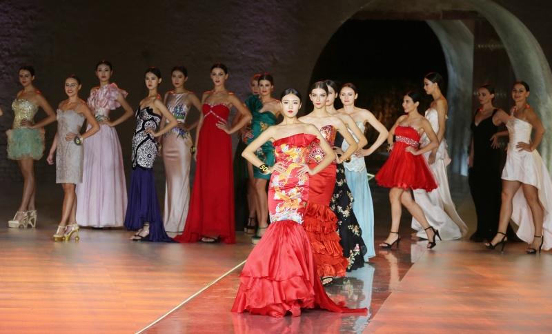 新丝路世界模特大赛总决赛落幕:中国佳丽尹娟夺冠