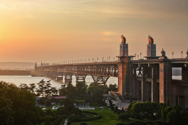 南京长江大桥即将封闭