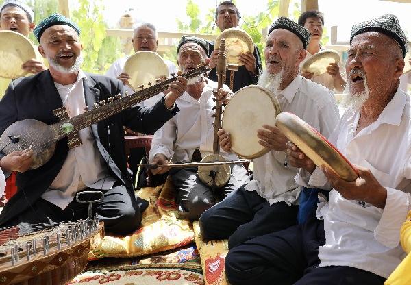 """新疆阿克苏:""""刀郎文化""""吸引游客"""