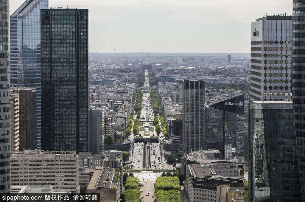 法国:凯旋门视角下的巴黎城市风光