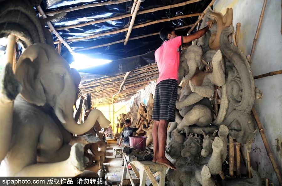 印度象神节是几月份_走近印度传统节日甘尼许节 当地艺术家用黏土制作象神甘尼许[6 ...