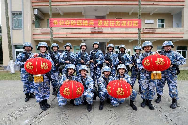 中国海军从世界各地向全国人民拜年