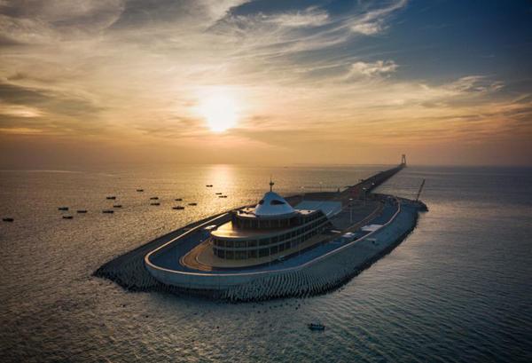 香港桥王 刘正光 部分媒体对港珠澳大桥防波堤的质疑缺乏专业性