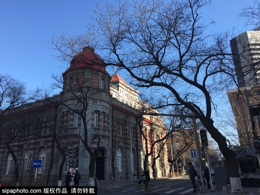 跟着电影游北京:领略《邪不压正》里的老北平