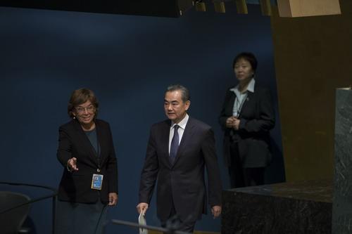 日本首相或不出席曼德拉国葬_王毅出席曼德拉和平峰会 - 中国日报网